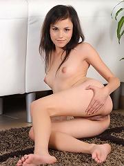 Nubiles.net Nikki - Teen Nikki fucks her pussy with a big sex toy to pleasure herself