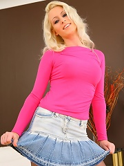 Shelley R from OnlyTease